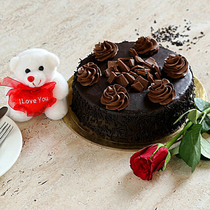 Chocolate Cake Combo: Cake Delivery in Canada