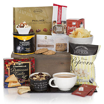 Gourmet Delights Hamper: Send Gifts to France
