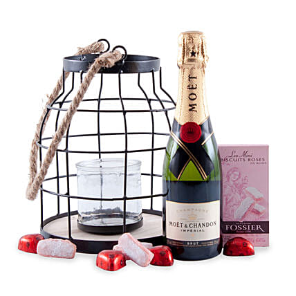 Candlelight Romance with Moet Champagne: Chocolates to Germany