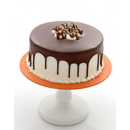 Delectable Chocolate Cake: Fathers Day Gift Delivery Kuwait