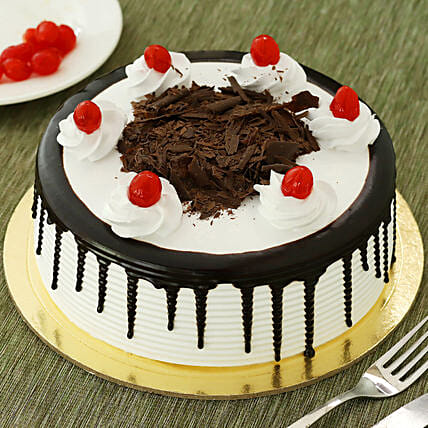 Black Forest Cake: Buy Eggless Cakes