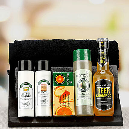 Blissful Relaxation: Boss Day Gift Hampers