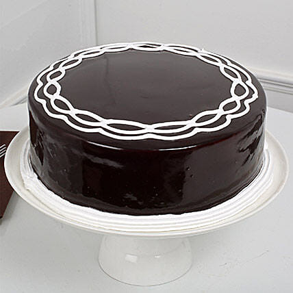 Chocolate Cake: Kiss Day Gifts
