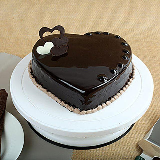Chocolate Hearts Cake: Designer Cakes to Pune