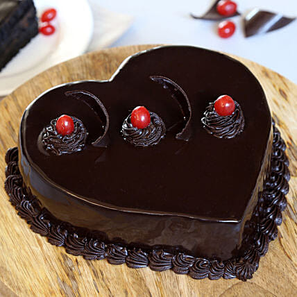 Chocolate Truffle Heart Cake: Gifts for Hug Day