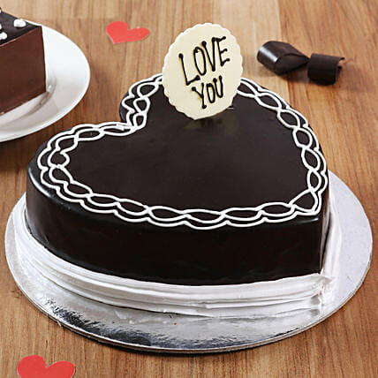 Classic Heart Shaped Chocolate Cake: Gifts for Hug Day