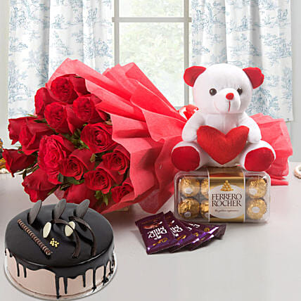 Win Her Heart Love Combo With Chocolate Cake: Buy Flowers Combo