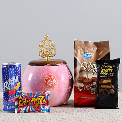 Cookies & Candies Hamper: Send Gift Hampers