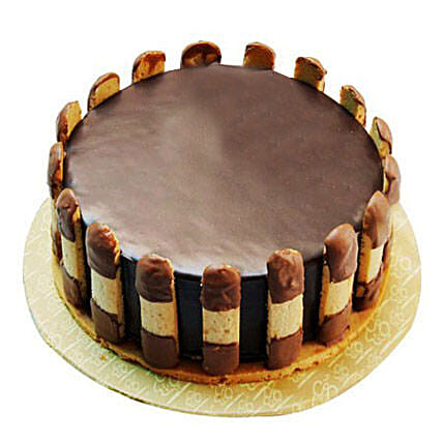 Crunchy Chocolate Cake: Chocolate Cake