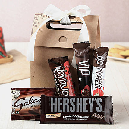 Delicious Chocolates Goodie Bag: Hug Day Gifts