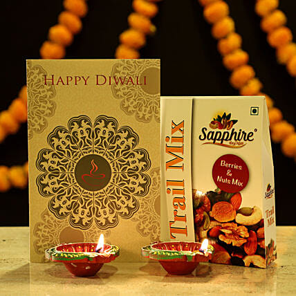 Diwali Greetings Hamper: Send Diyas