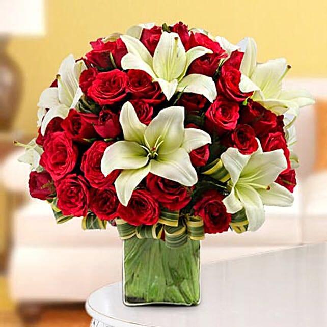 Elegance in the Vase: Premium Flowers