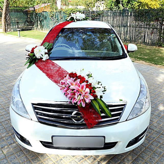 Elegant Car Decor: Car Flower Decoration