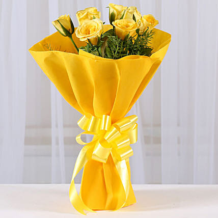 Enticing Yellow Roses Bouquet: Send Roses