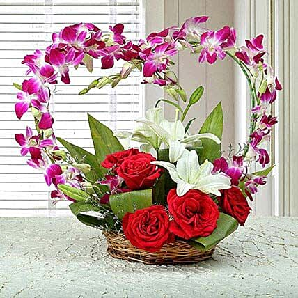 Floral Heartshaped Arrangement: Unique Gifts