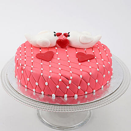 Kissing Birds Cake:
