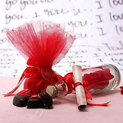 Love Message n Chocolates: Heart Shaped Gifts
