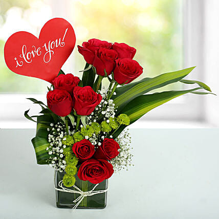Red Roses Love Arrangement: Gifts for Hug Day