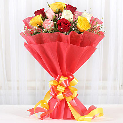 Mixed Roses Romantic Bunch: Hug Day Gifts