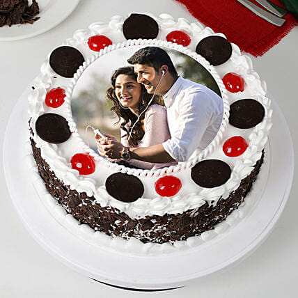Round Black Forest Photo Cake: Photo Cakes to Dehradun