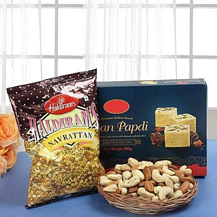 Smart Munch Hamper: Send Diwali Gift Hampers