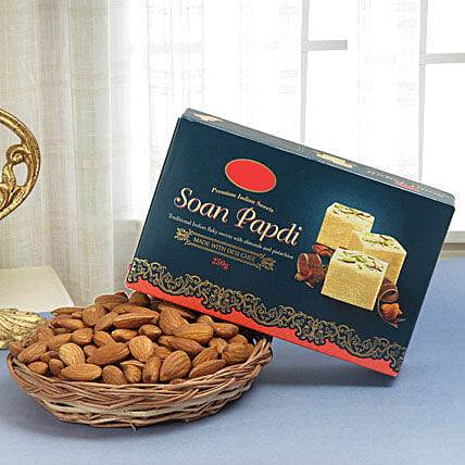 Soan N Nut Combo: Diwali Sweets & Dry Fruits