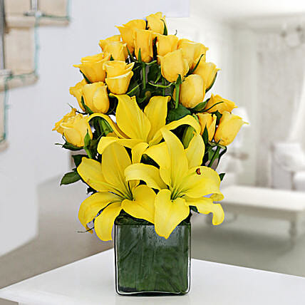 Yellow Roses & Asiatic Lilies Vase Arrangement: Exotic Rose Arrangements