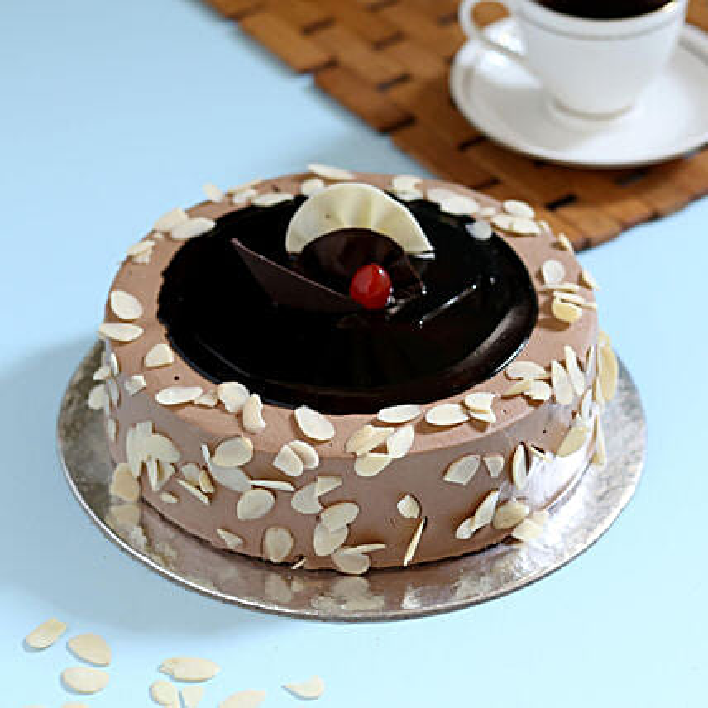 Swedish Almond Crunch Cake: Hug Day Gifts