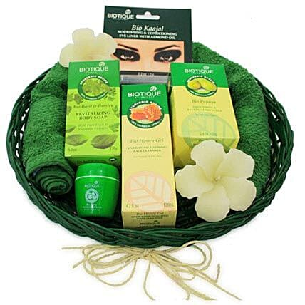 The Spa ed Experience: Send Valentines Day Gift Baskets