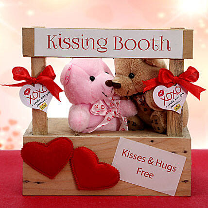Buy And Send Kiss Day Gifts Online From Ferns N Petals
