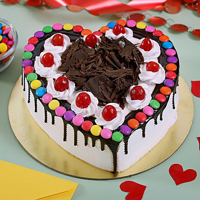 Black Forest Heart Cake: Black Forest Cakes