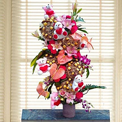 Flowers & Ferrero Rocher Arrangement: Romantic Soft toys Gifts