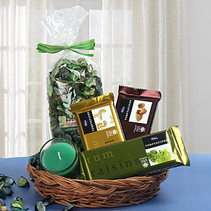 Traditional Basket Treat: Send Gift Hampers