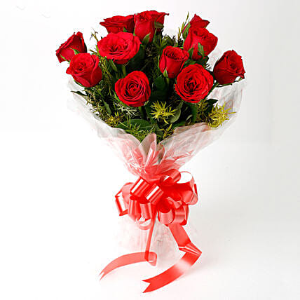 Impressive Charm- Bouquet of 10 Red Roses: Send Flowers to Karaikal