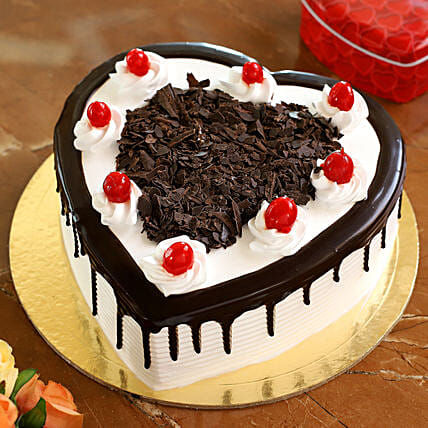 Flakey Hearts Black Forest Cake: Heart Shaped Cakes Lucknow