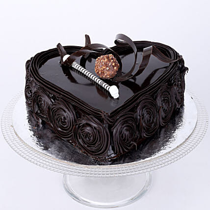 Special Floral Chocolate Cake: Send Heart Shaped Cakes to Lucknow