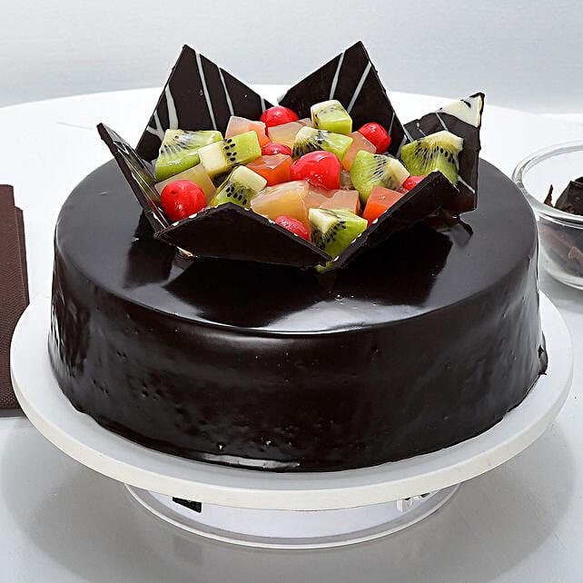 Chocolate Fruit Gateau: Bestsellers Cakes