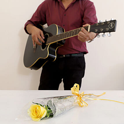 Single Yellow Rose Musical Combo: Flowers & Guitarist Service