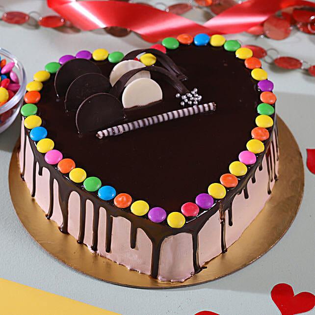 Hearty Gems Chocolate Cake: Heart Shaped Cakes