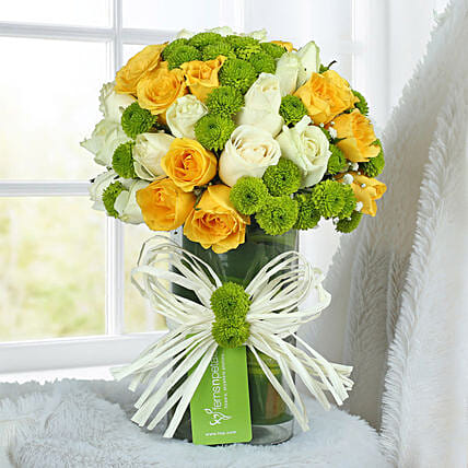 Yellow Rose Arrangement: Independence Day Gifts