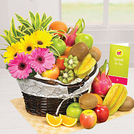 Sunshine Pleasure: Gift Hampers to Singapore
