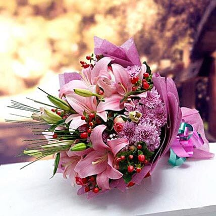 Colors of Charm: Dubai Flower Delivery