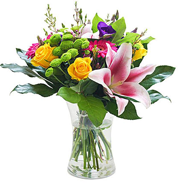 An Elegant Vase: Send Flowers to UK