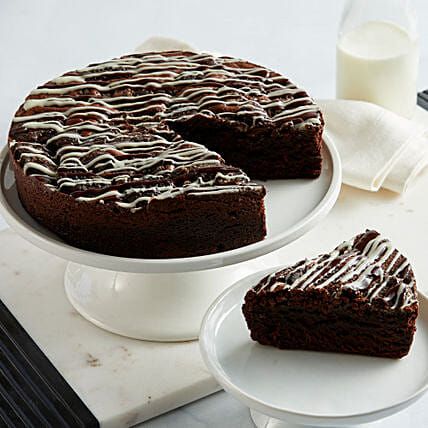 Cookies And Cream Brownie Cake Delivery In USA