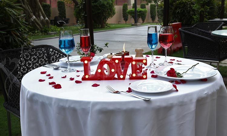 Date In The Garden For Epicures